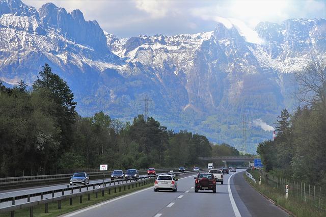Nawigacja i rejestartor jazdy - obowiązkowe gadżety w dalekiej podróży
